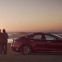 Tesla convocará un concurso de anuncios realizados por los fans. De premio, el mejor será emitido