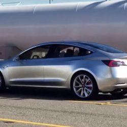 Vídeo en alta resolución del prototipo del Tesla Model 3 avistado esta semana en California