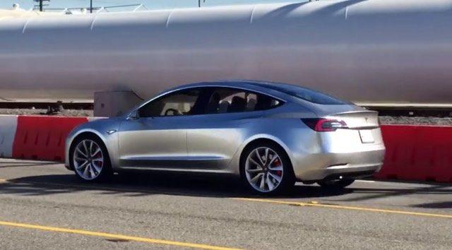 V Deo En Alta Resoluci N Del Prototipo Del Tesla Model 3