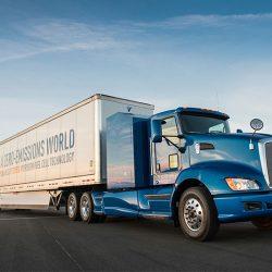 Toyota nos muestra en un vídeo la aceleración de su camión a hidrógeno contra otro diésel