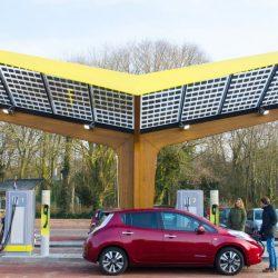 Fastned también usará baterías en sus estaciones de recarga rápida