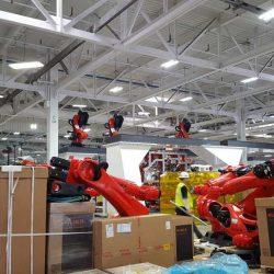 La fábrica de Tesla recibe los robots que se encargarán de ensamblar el Model 3