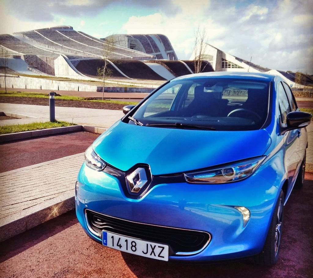 Un fallo de fabricación afecta a la batería de miles Renault ZOE ZE 40. Reparación necesaria y esperas interminables