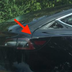 Las últimas fotos del prototipo final del Tesla Model 3 muestran posibles cambios en la apertura del maletero