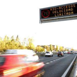 Edimburgo abre el debate. Los coches eléctricos no se ven afectados por la reducción de velocidad en el centro