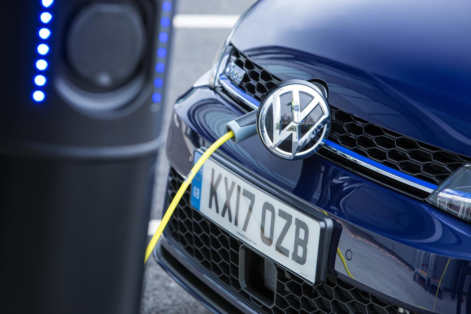 Volkswagen-golfgte-box-carga
