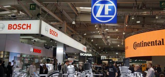 Las cuatro principales empresas suministradoras del sector del automóvil, apuestan por los coches eléctricos