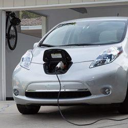 Las empresas eléctricas en California pagan a sus clientes para que se pasen a los coches eléctricos