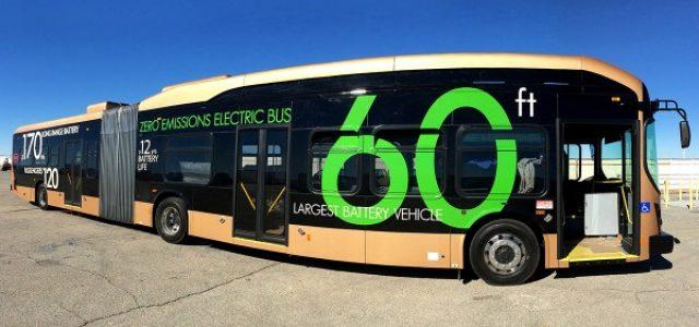 BYD comienza las entregas de su autobús eléctrico de 18 metros. Batería de 547 kWh y 440 kms de autonomía