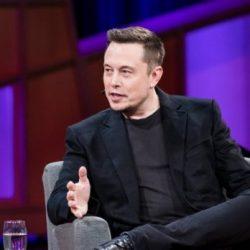 Según Elon Musk, estamos a dos años de la conducción autónoma plena