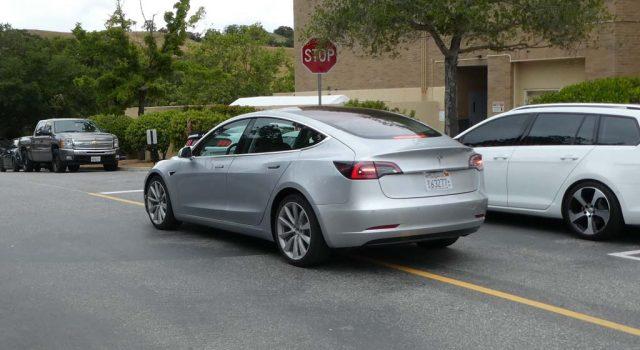 El Tesla Model 3 no estará disponible para las primeras pruebas hasta finales de este año