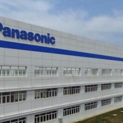 Panasonic instala una nueva fábrica de baterías en China y Elon Musk viaja hasta allí, para negociar la  instalación de una gigafactoria de Tesla