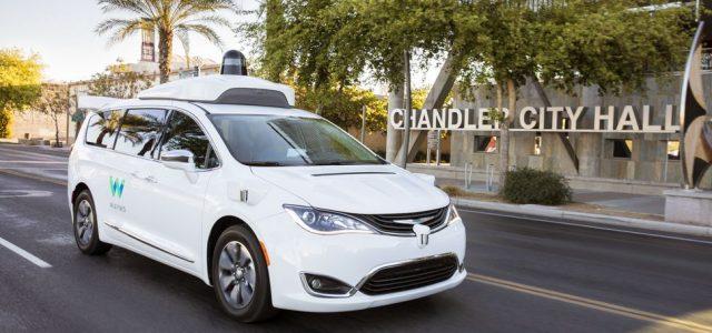 Viajando sin conductor en el Chrysler Pacífica Hybrid autónomo de Waymo (Vídeo)