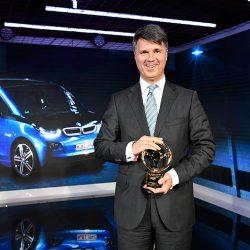 El presidente de BMW indica que tiene un 110% de confianza en el coche eléctrico. Anuncia sorpresas para el Salón de Frankfurt