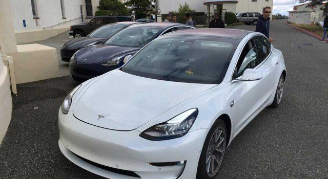 La filtración de un código permite ver el presunto consumo del Tesla Model 3