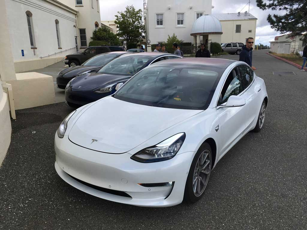 tesla model 3 white forococheselectricos. Black Bedroom Furniture Sets. Home Design Ideas
