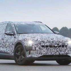 Avistado el modelo de producción del Audi e-Tron. El todocamino eléctrico que llegará en 2018