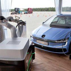 Volkswagen se alía con KUKA para el desarrollo de sistemas robotizados para los coches eléctricos y autónomos