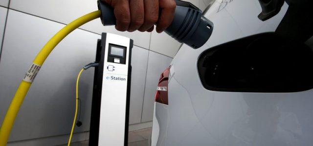 Según Morgan Stanley, el precio de las baterías para coches eléctricos podría alcanzar ya en 2017 su punto de inflexión