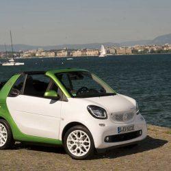 Ya está disponible el Smart ForTwo Cabrio eléctrico. Precio desde 26.732 euros