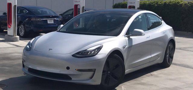 Realmente hay un 10% de diferencia de consumo en el Tesla Model 3 con los tapacubos aerodinámicos?