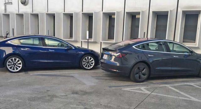 Nuevas fotos del Tesla Model 3. Una unidad con un atractivo gris oscuro, y otro vistazo al interior