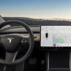 Opinión. Estos son los motivos que han llevado a Tesla a optar por ese diseño interior para el Model 3