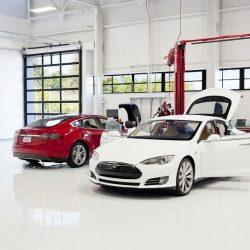 El futuro de los servicios técnicos de Tesla. 100 nuevos talleres, 1400 nuevos mecánicos, 350 agentes móviles…