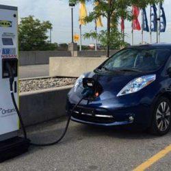 Canadá prepara un corredor de 3.000 kilómetros de puntos de recarga rápida para coches eléctricos, con baterías de respaldo