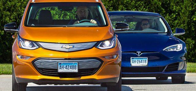 Para Barclays, General Motors no es un dinosaurio muriéndose, y recuperará el terreno perdido frente a Tesla