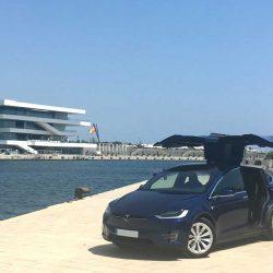 Tesla abre en Valencia su tercer punto de venta permanente en España