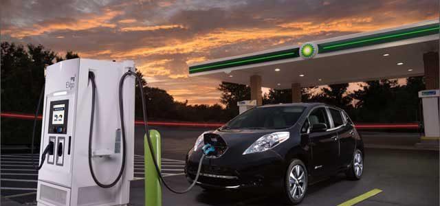 BP estima que los coches eléctricos y autónomos reducirán su producción de petróleo para el año 2040