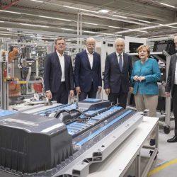 Mercedes adaptará la fábrica de Untertürkheim para la producción de baterías y componentes para coches eléctricos
