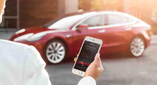El Tesla Model 3 no tendrá llave. Se abrirá desde el móvil, o con una tarjeta NFC