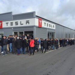 Tesla indica que recibe 1.800 reservas al día del Model 3