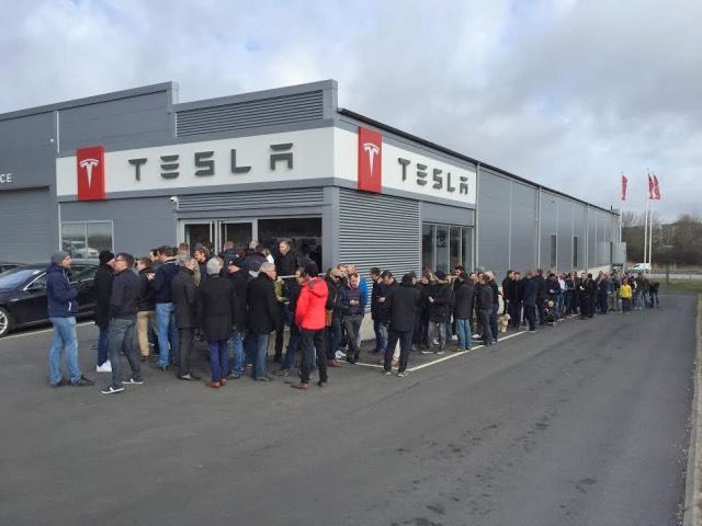 Tesla Indica Que Recibe 1800 Reservas Al Da Del Model 3