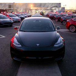 Según Elon Musk la demanda del Tesla Model 3 puede llegar a las 700.000 unidades al año. La producción del BMW Serie 3 y el Audi A4 juntos