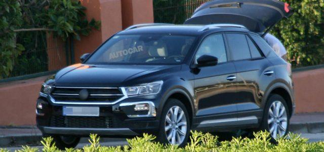 Primeras imágenes del Volkswagen T-Roc. Un todocamino compacto que llegará con versiones híbrida enchufable y eléctrica