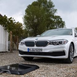 BMW comenzará a vender sistemas de recarga inalámbrica para sus coches en 2018