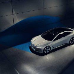 BMW aumentará su inversión en coches eléctricos y autónomos