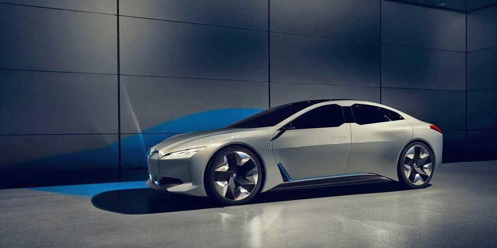 según bmw, una autonomía de 700 kilómetros permitirá al coche