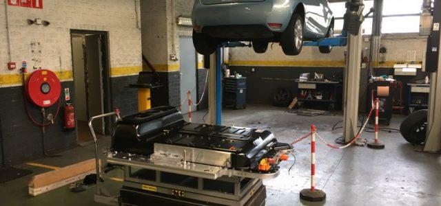 Así es el cambio de batería del Renault ZOE a la nueva ZE 40