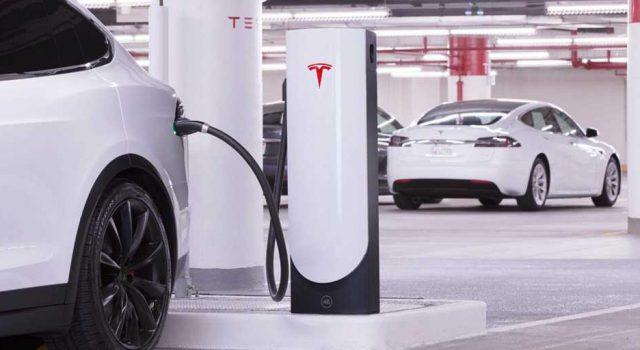 Tesla confirma el cambio en el despliegue de Supercargadores con más instalaciones en zonas urbanas