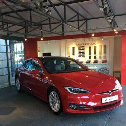 ¿Tendrá Tesla el mismo impacto en la industria del automóvil que Amazon en la venta online?