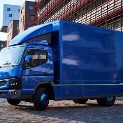 Daimler y Mitsubishi arrancan la producción del Fuso eCanter en Portugal. El primer camión eléctrico ligero con producción en serie