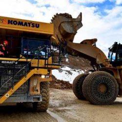 Komatsu 605-7 eléctrico. 700 kWh de batería y capaz de producir más energía de la que consume