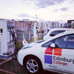 Escocia quiere terminar con las ventas de coches diésel y gasolina en 2032