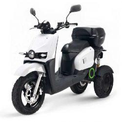 Scutum presentará la Silence S03. Un scooter eléctrico con tres ruedas