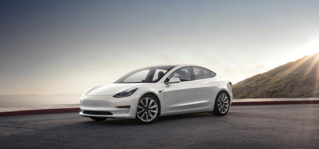 ¿Qué apartados necesita mejorar el Tesla Model 3?