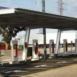 Tesla ya tiene 15 Supercargadores en funcionamiento en España